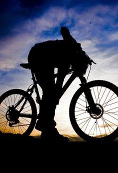"""Para as mulheres adeptas ao estilo de vida saudável, eis opção de comemoração ao Dia Internacional da Mulher: pedalar pelas ruas paulistanas. É que o """"Saia na Noite"""" - primeiro grupo de ciclistas mulheres do Brasil - realiza neste domingo, 8, a partir das 10h, uma pedalada, com o intuito de chamar atenção para o...<br /><a class=""""more-link"""" href=""""https://catracalivre.com.br/geral/urbanidade/barato/mulheres-pilotam-o-guidao-e-comemoram-seu-dia/"""">Continue lendo »</a>"""