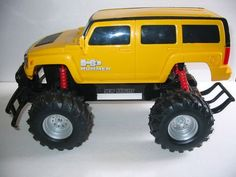 27 Mhz R/C NEW BRIGHT HUMMER H3 TRUCK Yellow 4x4 OFF ROAD, so cute! It's a RATCHET JR!