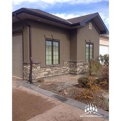 Another nice home with Creative Mines Craft Trail Ledge (Color: Grey Pearl) from Kodiak Mountain Stone.  This job was done in #Lethbridge AB by RR Masonry.  Kodiak Mountain Stone®  www.KodiakMountain.com  #KodiakMountainStone #StoneVeneer #CustomHomes #Ho