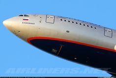 Ilyushin Il-96-300 aircraft picture