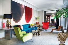 I get butterflies for interiors with a bold take on color. This home in Madrid, belonging to designer, Luis García Fraile has me droo. Feng Shui Your Life, Eclectic Design, Interior Design, Architect Design, Elle Decor, Interior Inspiration, Interior Ideas, Madrid, Outdoor Furniture Sets