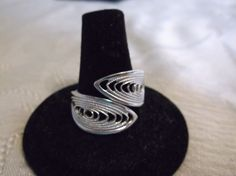 VINTAGE SARAH COVENTRY SILVER TONE FILIGREE WEBBED ADJUSTABLE RING~9 #SarahCoventry #WrapAdjustable