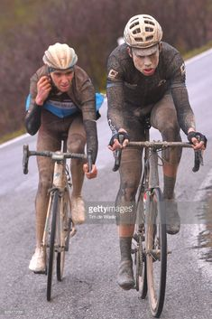 News Photo : Wout Van Aert of Belgium / Romain Bardet of...