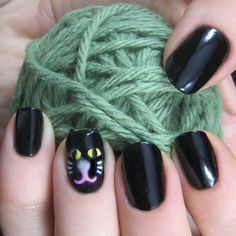 13 Gorgeous and Ghastly Halloween Nail Art Designs via Brit + Co. Holiday Nail Art, Halloween Nail Art, Coloured French Manicure, Vampire Nails, Candy Corn Nails, Pumpkin Nail Art, Nailart, Cat Nails, Funky Nails