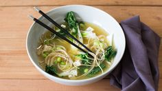 A warm, Asian-inspired soup to soothe the soul. Check the grocery store freezer section for frozen shelled edamame, or replace with green peas. Epicure Recipes, Healthy Soup Recipes, Tea Recipes, Lunch Recipes, Whole Food Recipes, Menu Sans Gluten, Gluten Free Menu, Vegan Gluten Free, Edamame