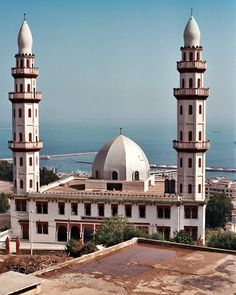 Alger - new mosque by jnovak Beautiful Mosques, Beautiful Places, Most Beautiful, Islamic Architecture, City Architecture, Temples, Medina Mosque, Taj Mahal, Places To Visit