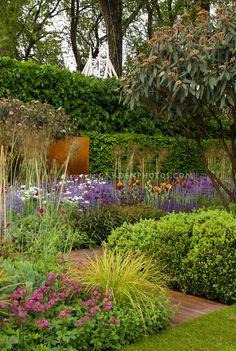 Garden designed by Tom Stuart-Smith, Daily Telegraph Garden