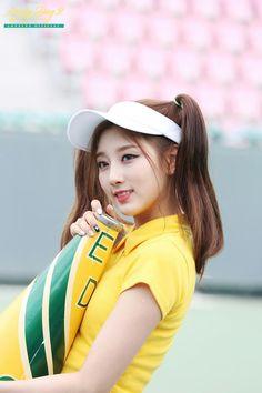 Yein Lovelyz, Woollim Entertainment, Korean Girl, Girl Group, Idol, Hats, Pretty, Tennis, Style