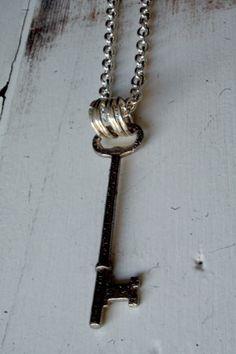 vintage key necklace