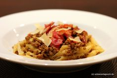 Schöner Tag noch!: Nachgekocht: Linsen-Kürbis-Pasta mit getrockneten Tomaten und knusprigem Speck