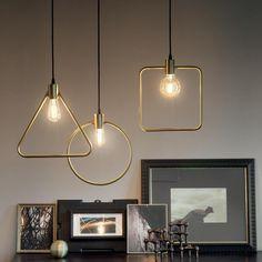 Závesné geometrické svietidlo ABC SP1 ROUND v zlatej farbe   Ideal Lux. Metal Ceiling, Ceiling Rose, Ceiling Lamp, Brass Lamp, Pendant Lamp, Interior Lighting, Lighting Design, Home Design, Suspension Design
