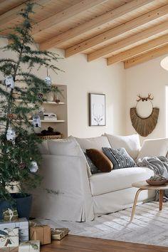 Ceiling Ideas, Ceiling Design, Dream Home Design, House Design, Ektorp Sofa, My First Apartment, Cute Room Decor, Family Room Design, Sunrooms