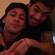Gran victoria del equipo  buena gordo HAT-TRICK  @luissuarez9  te quiero hermano ✌️