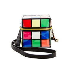 KITCH RUBYS KYOOB CROSSBODY: Betsey Johnson