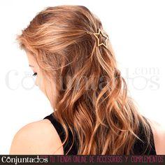 El #pasador de #pelo con forma de #estrella es una monada, ¿verdad?  ★ 4,95 € en http://www.conjuntados.com/es/para-tu-pelo/pasadores-y-horquillas/pasador-de-pelo-estrella-dorado.html ★ #novedades #paratupelo #star #conjuntados #conjuntada #accesorios #complementos #moda #fashion #fashionadicct #picoftheday #outfit #estilo #style #GustosParaTodas #ParaTodosLosGustos