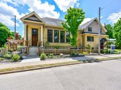 58 Albert St, Guelph Ontario $999,000  For more info please visit http://www.cbn.on.ca/real-estate/property/?id=751392