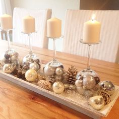 Fantastic Our Advent wreath with inverted wine glasses and Christmas balls .Fantastic Our Advent wreath with inverted wine glasses and Christmas balls . - - Advent wreath fantastic with inverted Handmade Christmas crafts - 15 Christmas Advent Wreath, Silver Christmas Decorations, Christmas Table Centerpieces, Christmas Candles, Gold Christmas, Christmas Balls, All Things Christmas, Christmas Home, Christmas Crafts