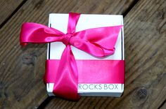 Monthly box subscription for jewelry!