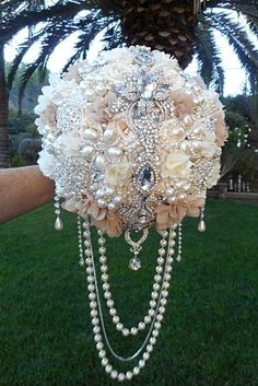 Brooch Wedding Bouquets That Will Excite You ❤ See more: http://www.weddingforward.com/brooch-wedding-bouquets/ #weddings