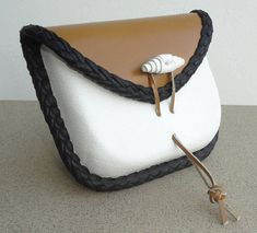 Leather bag wet formed wallet envelope bag elegant Head Accessories, Leather Case, Envelope, Coin Purse, Cases, Wallet, Elegant, Trending Outfits, Stylish