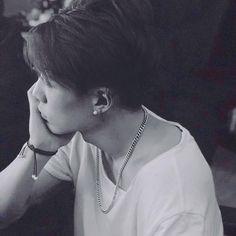 338 отметок «Нравится», 4 комментариев — ikon-kim jiwon(김지원) (@awsomekimbobby) в Instagram: «he looks so freakin good 。 。 。 ⓒowner ※#ikon #jiwon #bobby #getreadyshowtime #getreadybreaktime…»