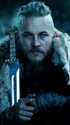 не знам Travis Fimmel as Ragnar Lothbrok Viking Halloween Costume, Vikings Halloween, Halloween Night, Vikings Show, Vikings Tv Series, Viking Warrior, Viking Age, Ragnar Lothbrok Vikings, Norse Mythology