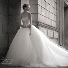 Le Grand Wedding bridal house: embellished corset, voluminous ball gown, strapless