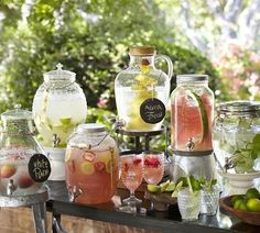 18 Unique & Creative Wedding Drink Bar Ideas for Outdoor Wedding Summer Wedding Ideas for your Wedding at The Orchard at Chesfield Mason Jar Drink Dispenser, Mason Jar Drinks, Juice Dispenser, Cocktails Bar, Bar Drinks, Drink Bar, Drink Stand, Beverage Table, Alcoholic Drinks