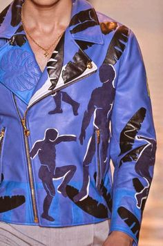 RINTS, PATTERNS AND DETAILS FROM RECENT MILAN FASHION WEEK (MENSWEAR SPRING/SUMMER 2015) / 7 From top: Versace, Dolce & Gabbana.