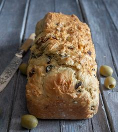 Sun-Dried Tomato Olive Bread Baked Tomato Recipes, Recipes With Parmesan Cheese, No Yeast Bread, Bread Baking, Italian Lemon Cake, Oven Dried Tomatoes, Baking Soda Baking Powder, Olive Bread, Creamy Cheese