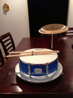 Cool Drum Cake for a Groom ...This website is the Pinterest of birthday cakes