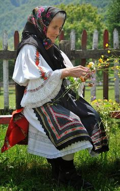 Real romanians- old lady in traditional costume