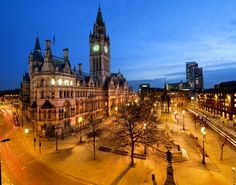 Manchester Town Hall is a must-see site for tourists visiting the English city.
