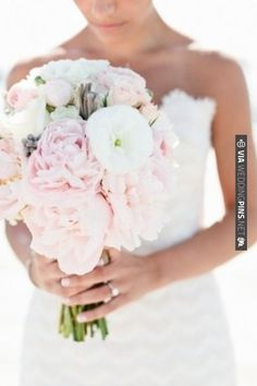 LOVE THIS BOUQUET!!!! This is the one