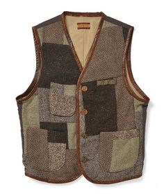 fennicaのWestage & CO / パッチワークベストです。こちらの商品はBEAMS Online Shopにて通販購入可能です。 Men's Waistcoat, Style Masculin, Country Wear, Leather Company, Fashion Logo Design, Denim Patchwork, Denim Jacket Men, Stylish Men, Cargo Vest