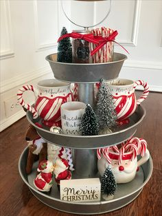 Easy DIY Indoor Christmas Decor and Display Ideas, Ways To Decorate Your Tiered Tray For Christmas, Kitchen Counters, or Fireplace Mantle Decorating, Christmas Decor Christmas Hot Chocolate, Hot Chocolate Bars, Christmas Coffee, Noel Christmas, Rustic Christmas, Winter Christmas, Christmas Ideas, Decorate Fireplace For Christmas, How To Decorate For Christmas