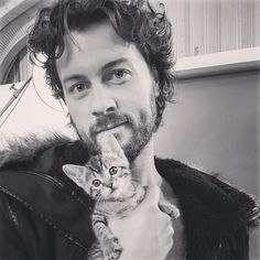 Dan Feuerriegel  - BTS pic of @KittCrusaders photoshoot courtesy of @VanessaCater Waffles & I work well together  #KittCrusaders