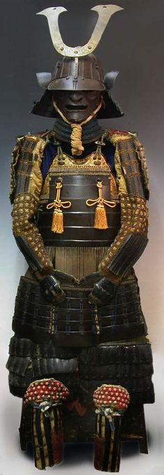 Samurai Armor - Tokugawa Ieyasu (1542 - 1616) was the last feudal warlord, he began the peace for Japan for 260 years. Known as a intellectual samurai with persistent ploy.