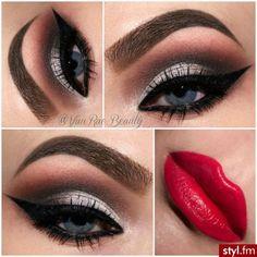 Sexy Smokey Eyes Red Lips