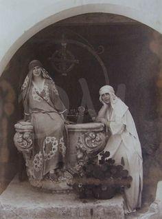 Ileana and her mother Princess Alexandra, Princess Beatrice, Romanian Royal Family, Princess Victoria, Royalty, Statue, Descendants, Edinburgh, Painting