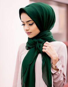 Green Class Chiffon Maxi Hijab