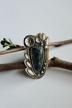 Spring.........Moss....silver, horse canyon agate. Gallery Darrow via Etsy. size 7.5