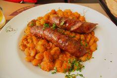 Transylvanian sausages with beans