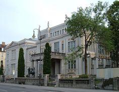 Франц фон Штук сделался владельцем великолепной виллы, одной из достопримечательностей Мюнхена, известной как  «Villa Stuck».