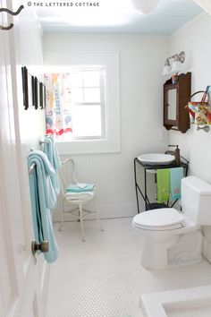 Before we announce the winners of theSummer Rental giveaway, we thought we'd share some photos we took while we were staying at Mary Kay's personal vacation rental, The Breeze Inn. It's located on Tybee Island, just off the coast of Georgia, near Savannah. Our visit took place in the Spring of 2010, and it was …