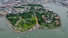 Helsinki, Finland - Southern Helsinki and Kaivopuisto Park Beautiful Buildings, Beautiful Places, Finnish Language, Visit Helsinki, I Want To Travel, Interesting History, Capital City, Summer Time, City Photo