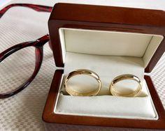 Obrączki to symbol wierności, miłości oraz małżeństwa. Okrągły kształt jest metaforą niekończącej się miłości  www.margot-studio.pl 💍💍💍💍💍 #wedding #gold #handemade #obraczkiMargot #specialday #love #marriage