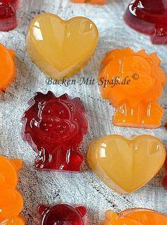 Gummibärchen selber machen Make gummy bears yourself Making Gummy Bears, Baking Recipes, Dessert Recipes, Best Food Ever, Kitchen Gifts, Food Humor, Cooking With Kids, Diy Food, Kids Meals