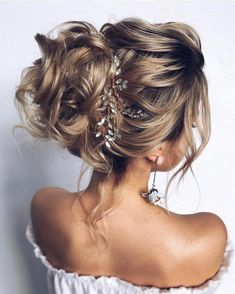 45 Romantic Hairstyle Ideas For Valentines day 2019 #hair #hairstyles #haircuts #longhair #longhairstyles #promUpdos