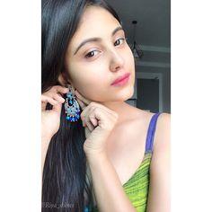 Image may contain: 2 people, closeup Stylish Girls Photos, Girl Photos, Cute Girl Photo, Cute Faces, Girls Image, Indian Beauty, Beauty Women, Cute Girls, Desi